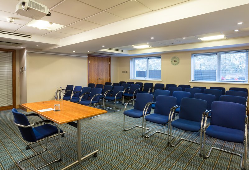 Holiday Inn Cambridge-Academy Queens Meeting Room<br/>Image from Leonardo