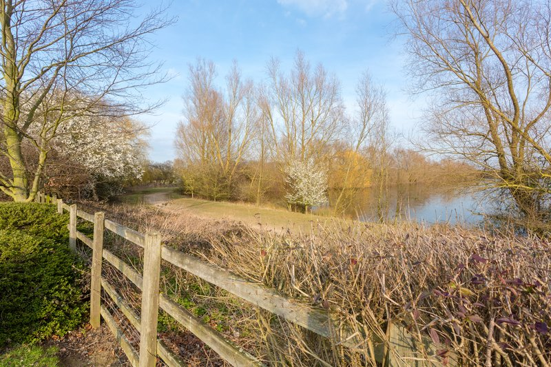 Holiday Inn Cambridge-Take a stroll to the nearby Chivers Lake<br/>Image from Leonardo