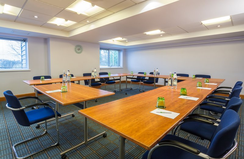 Holiday Inn Cambridge-Share your presentation in the Academy Darwin Meeting Room<br/>Image from Leonardo