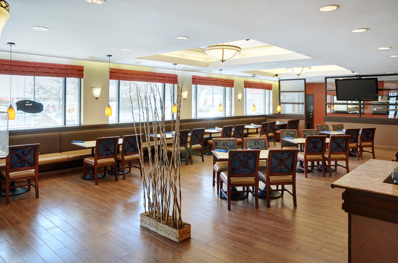 Holiday Inn Hotel & Suites Winnipeg-Downtown-Enjoy a great meal in our restaurant!<br/>Image from Leonardo