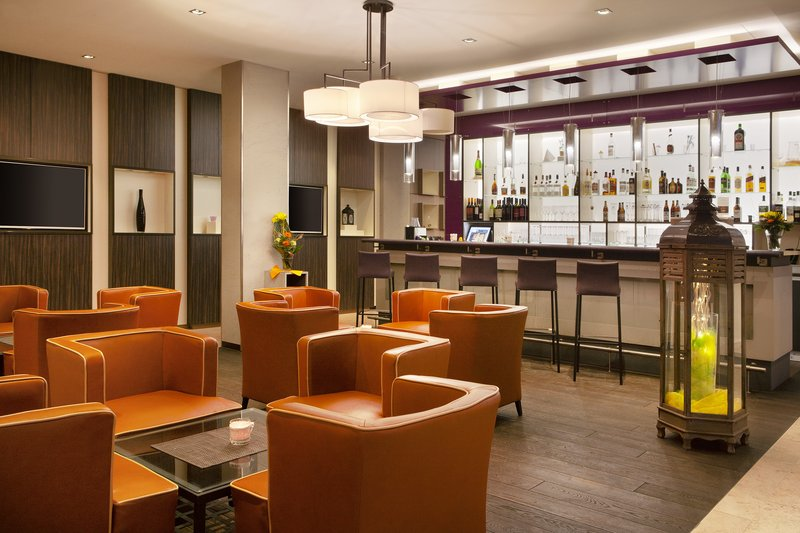 Holiday Inn Leipzig - Gunthersdorf-German beers and wines at the bar, perfect after a busy day.<br/>Image from Leonardo