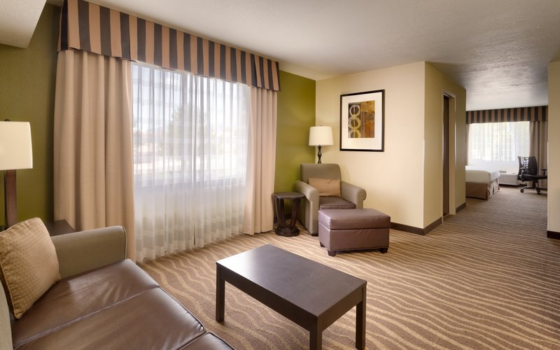 Holiday Inn Express & suites American Fork - North Provo-Spread out in a king mountain view suite in American Fork.<br/>Image from Leonardo