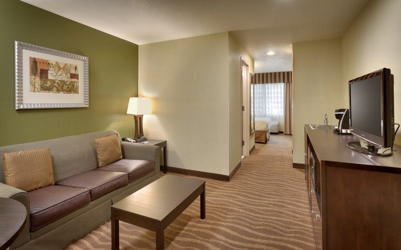 Holiday Inn Express & suites American Fork - North Provo-Spread out in a queen suite in American Fork.<br/>Image from Leonardo