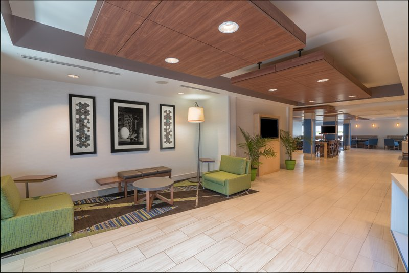 Holiday Inn Express Radcliff - Fort Knox-Great Room <br/>Image from Leonardo
