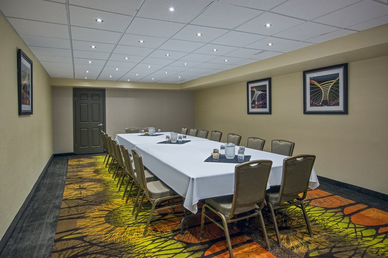 Holiday Inn Express & Suites Regina-Meeting Room<br/>Image from Leonardo