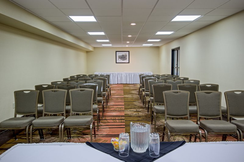 Holiday Inn Express & Suites Regina-Conference Room<br/>Image from Leonardo