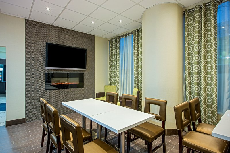 Holiday Inn Express & Suites Regina-Breakfast Area<br/>Image from Leonardo