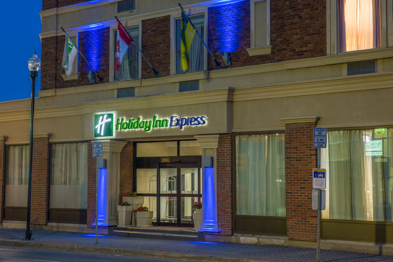 Holiday Inn Express & Suites Regina-Entrance<br/>Image from Leonardo