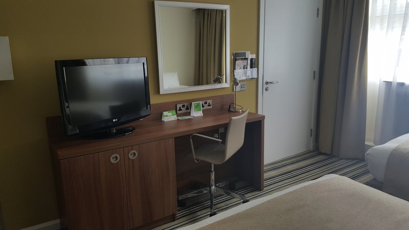 Holiday Inn Derby - Nottingham M1, Jct.25-Newly refurbished accessible room<br/>Image from Leonardo