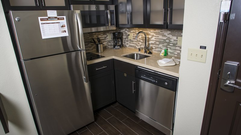Staybridge Suites Lexington-Staybridge Suites Lexington, KY Studio kitchen<br/>Image from Leonardo
