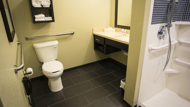 Staybridge Suites Lexington-Staybridge Suites Lexington, KY Accessible Shower<br/>Image from Leonardo