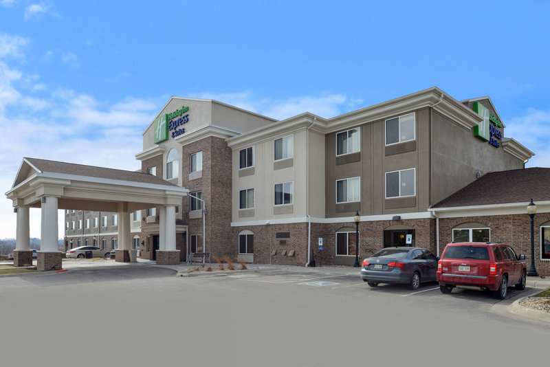Holiday Inn Express & Suites Omaha West-Hotel Exterior<br/>Image from Leonardo