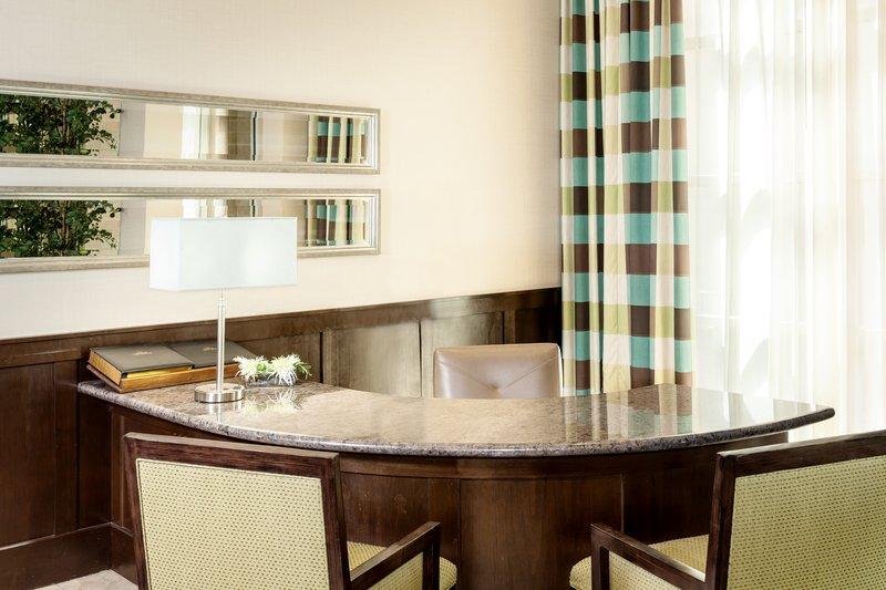 Crowne Plaza Anchorage Midtown-Concierge Desk at Crowne Plaza Anchorage-Midtown<br/>Image from Leonardo