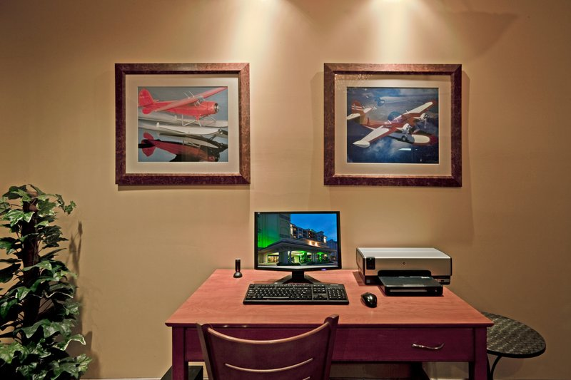 HOLIDAY INN HOTEL AND SUITES CLEARWATER BEACH-Business Center<br/>Image from Leonardo