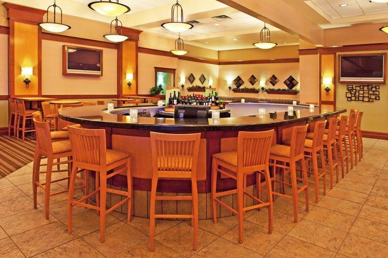 Holiday Inn Flint - Grand Blanc Area-J Porters Bar<br/>Image from Leonardo