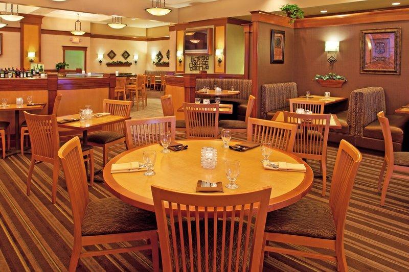 Holiday Inn Flint - Grand Blanc Area-J Porters Restaurant<br/>Image from Leonardo