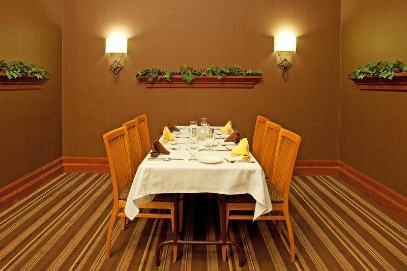 Holiday Inn Flint - Grand Blanc Area-J Porters Private Dining Room<br/>Image from Leonardo