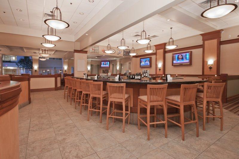 Holiday Inn Flint - Grand Blanc Area-JPorters Bar and Lounge<br/>Image from Leonardo