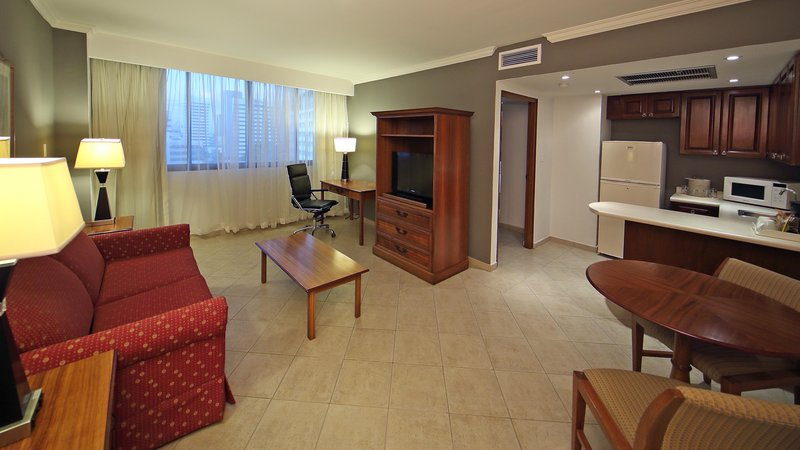 Crowne Plaza Panama-Suite in Panama Crowne Plaza Hotel<br/>Image from Leonardo