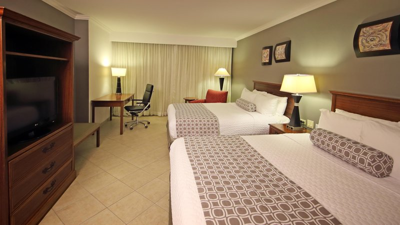 Crowne Plaza Panama-Double Deluxe Room at Crowne Plaza Panama<br/>Image from Leonardo