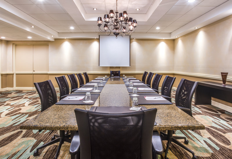 Crowne Plaza Executive Center Baton Rouge-Board Room<br/>Image from Leonardo