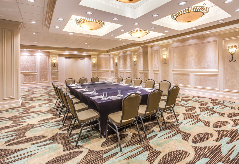 Crowne Plaza Executive Center Baton Rouge-Meeting Room<br/>Image from Leonardo