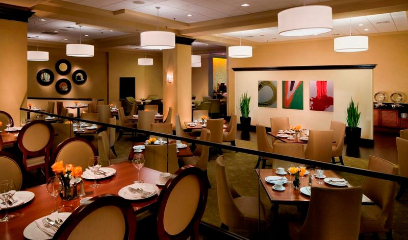 Crowne Plaza White Plains - Downtown-Restaurant<br/>Image from Leonardo