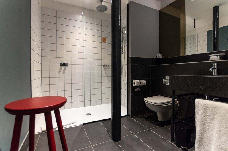 Hotel Indigo Dundee-Guest Bathroom<br/>Image from Leonardo