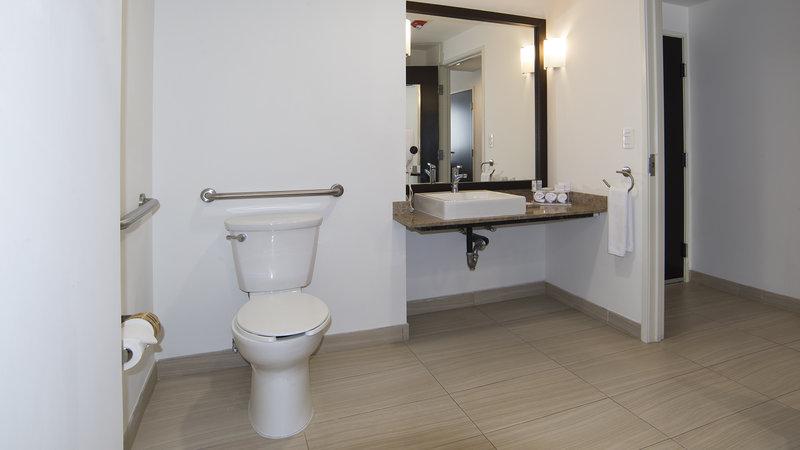 Holiday Inn Express Guadalajara Autonoma-Wheelchair Accessible<br/>Image from Leonardo