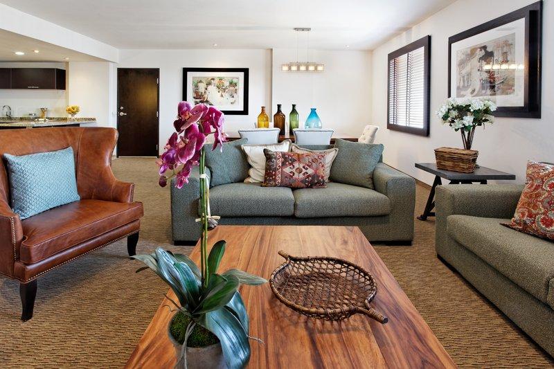 Holiday Inn Express Guadalajara Autonoma-Suite<br/>Image from Leonardo