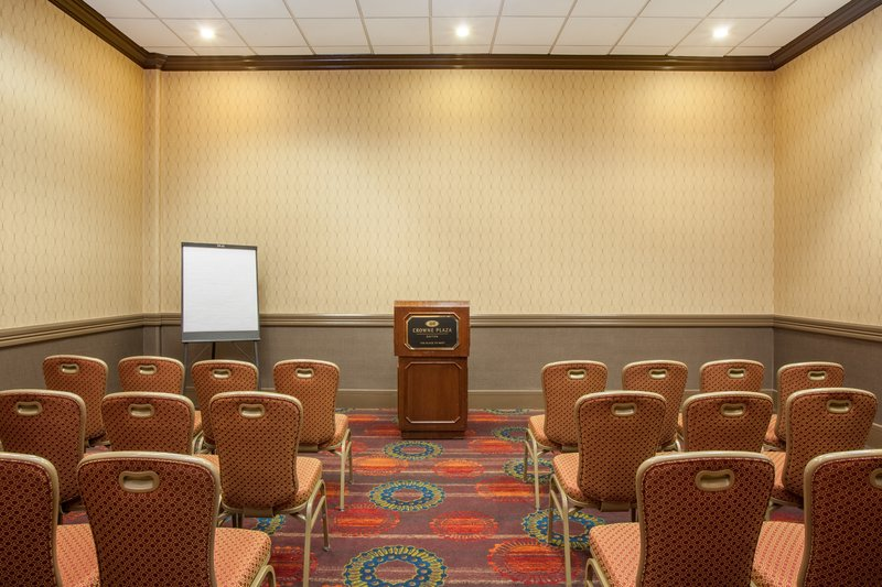 Crowne Plaza Dayton-Meeting Room<br/>Image from Leonardo