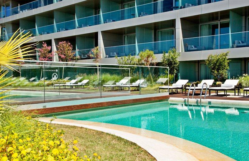 Intercontinental Estoril-Swimming Pool<br/>Image from Leonardo