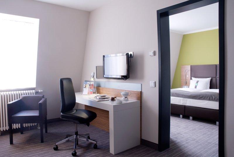 Holiday Inn Leipzig - Gunthersdorf-Junior Suite<br/>Image from Leonardo
