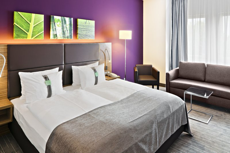 Holiday Inn Leipzig - Gunthersdorf-Double Bed Comfort Room with Sofabed<br/>Image from Leonardo