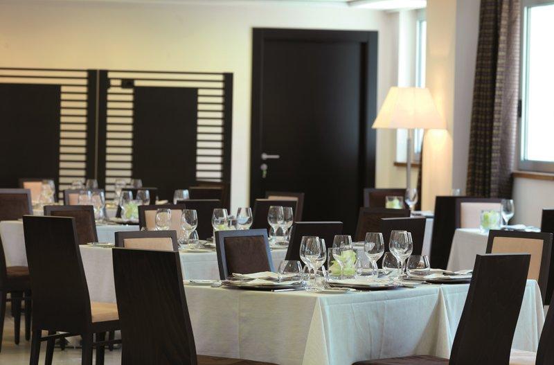 Holiday Inn Salerno - Cava de' Tirreni-La Badia Restaurant<br/>Image from Leonardo