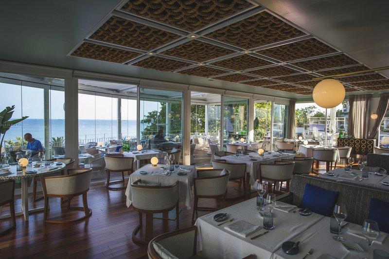 Intercontinental Estoril-Miguel Laffan at Atlântico Bar Restaurant<br/>Image from Leonardo