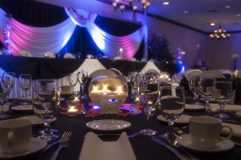 Holiday Inn Airport West Earth City-Marquette Wedding Reception<br/>Image from Leonardo
