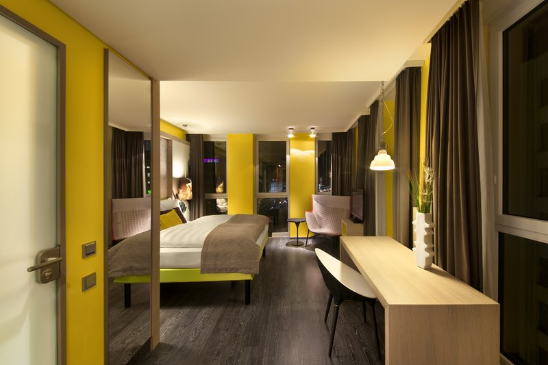 Hotel Indigo Berlin Centre Alexanderplatz-Modern and stylish Deluxe Room<br/>Image from Leonardo