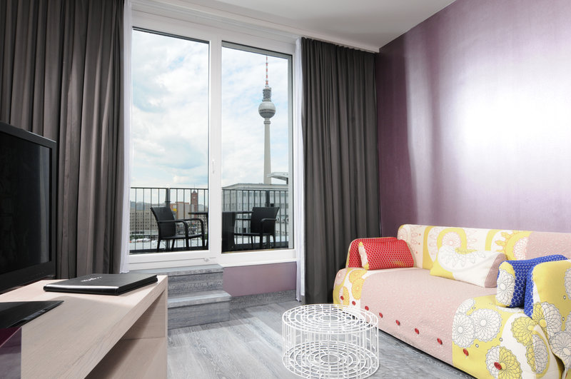 Hotel Indigo Berlin Centre Alexanderplatz-Relax and enjoy the view on your balcony in our Suite<br/>Image from Leonardo
