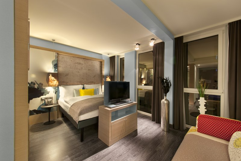 Hotel Indigo Berlin Centre Alexanderplatz-Stylish Deluxe Room with street view<br/>Image from Leonardo