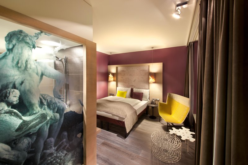 Hotel Indigo Berlin Centre Alexanderplatz-Spacious Executive Room with unique Neptune Fountain glass wall<br/>Image from Leonardo
