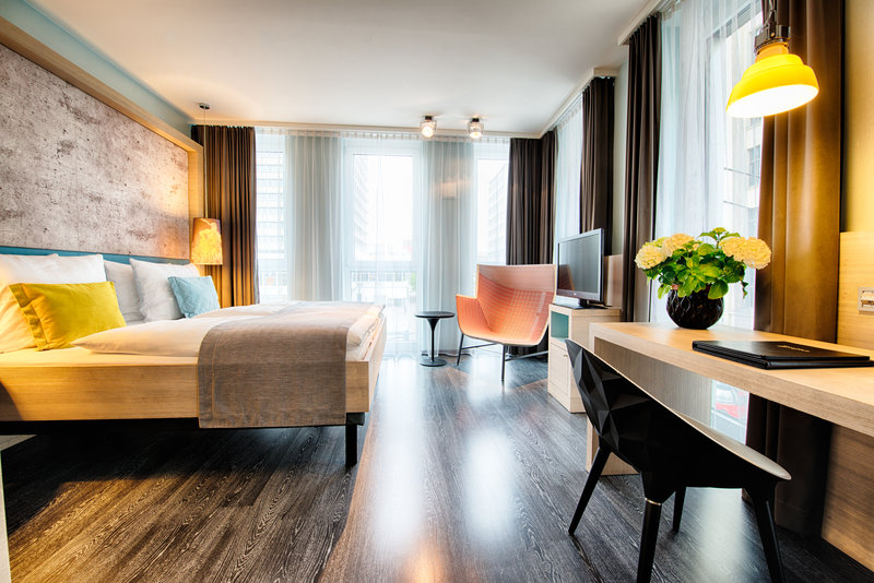 Hotel Indigo Berlin Centre Alexanderplatz-Modern comfortable Deluxe Room with King Bed<br/>Image from Leonardo