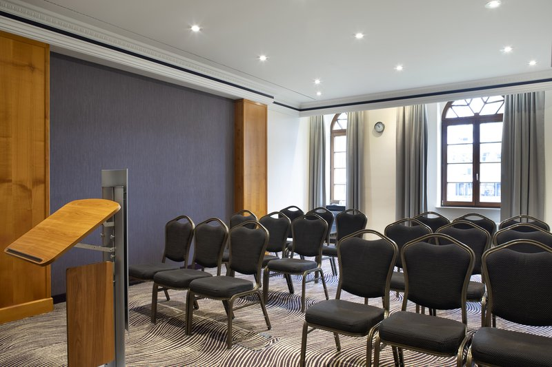 Crowne Plaza Heidelberg City Centre-Attractive facilities for a lecture or meeting at the hotel.<br/>Image from Leonardo