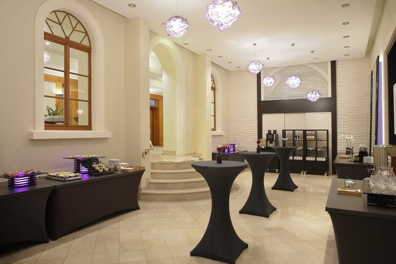 Crowne Plaza Heidelberg City Centre-Area for refreshments between events in the hotel's meeting rooms.<br/>Image from Leonardo