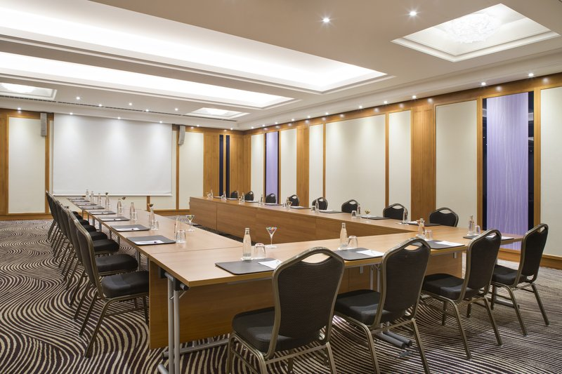 Crowne Plaza Heidelberg City Centre-Comfortable, well-lit space for meetings in central Heidelberg.<br/>Image from Leonardo