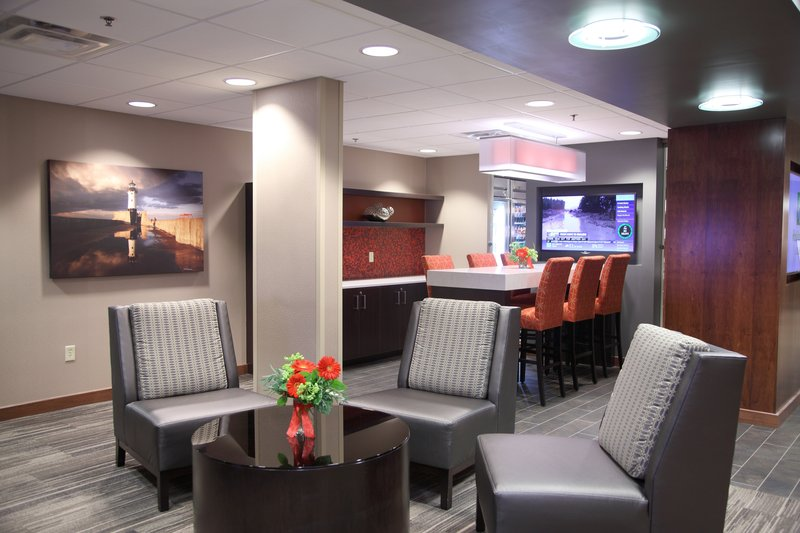 Holiday Inn Hotel & Suites Duluth-Downtown-Large, spacious lobby area <br/>Image from Leonardo