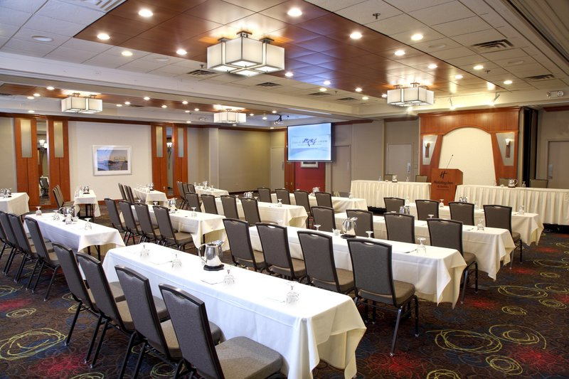 Holiday Inn Hotel & Suites Duluth-Downtown-We offer many different seating options<br/>Image from Leonardo