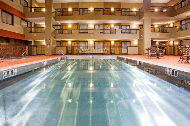 Holiday Inn Hotel & Suites Duluth-Downtown-Relax and take a swim in one of our stainless steel pools<br/>Image from Leonardo