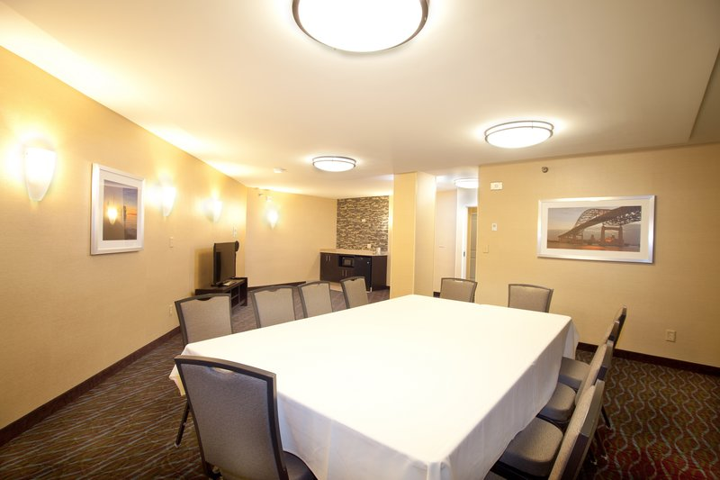 Holiday Inn Hotel & Suites Duluth-Downtown-We offer smaller meeting spaces such as hospitality rooms.<br/>Image from Leonardo