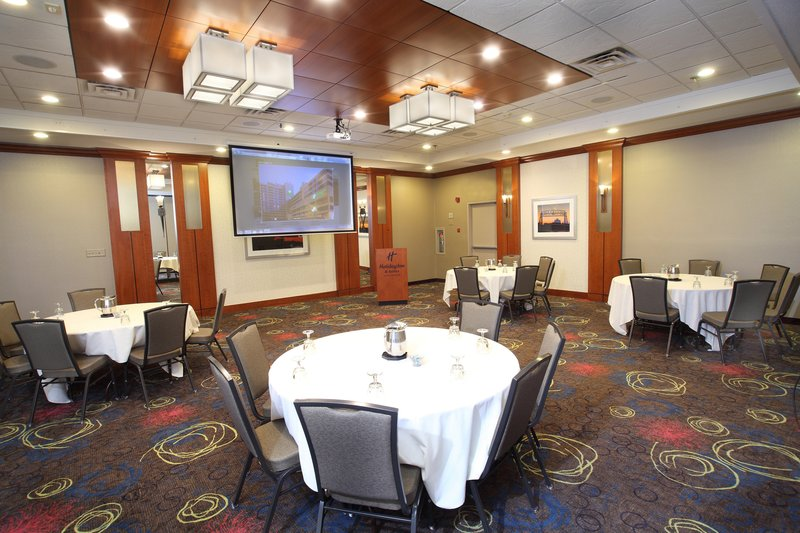 Holiday Inn Hotel & Suites Duluth-Downtown-We offer smaller meeting rooms to meet your needs!<br/>Image from Leonardo